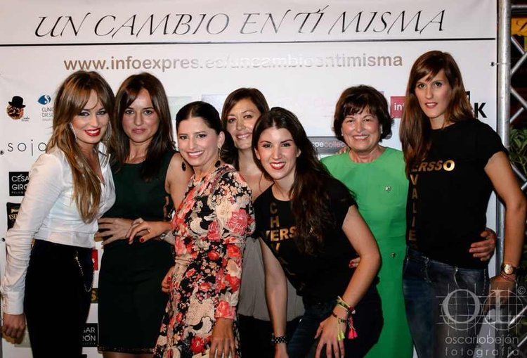 Photocall chicas Chevalier Versso.