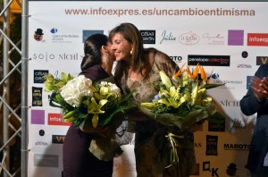Entrega de ramos con la Alcaldesa, Mercedes Alonso.