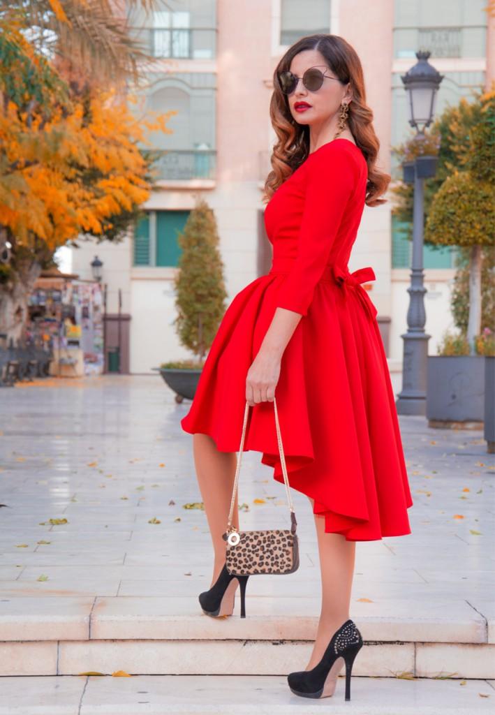 Pasión por el rojo vestido de fiesta