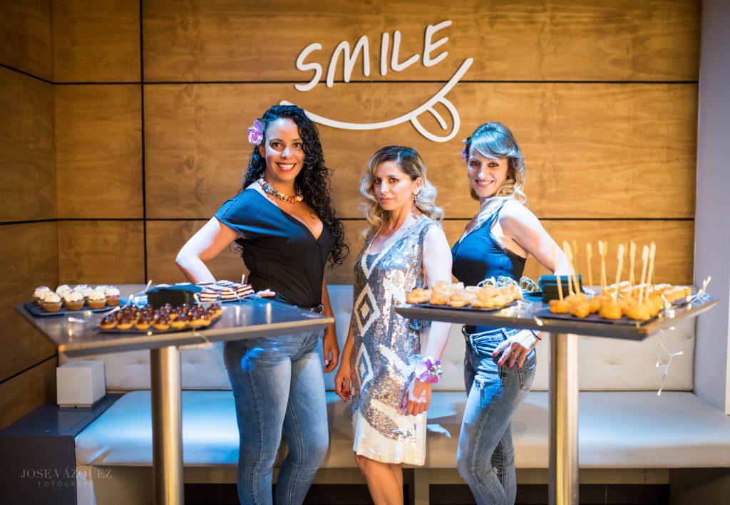 Antonella en la inauguración Pub Smile Elche