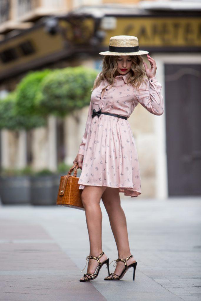 Look Antonella Vestido rosa