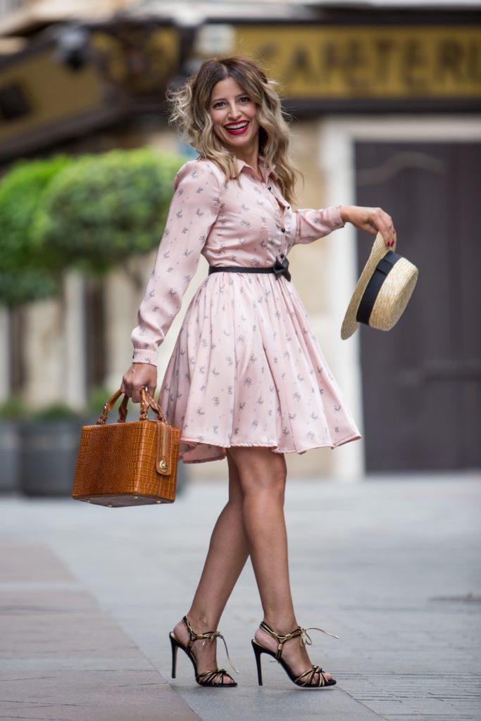 vestido rosa look antonella